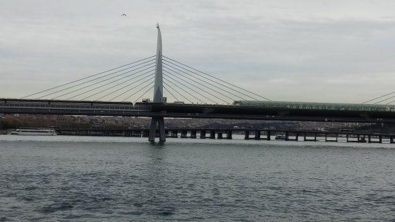 Jembatan Gantung di Selat Bosporus